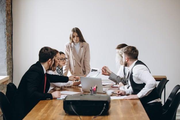 Digitalizzare l'azienda aggiornando le competenze dei collaboratori